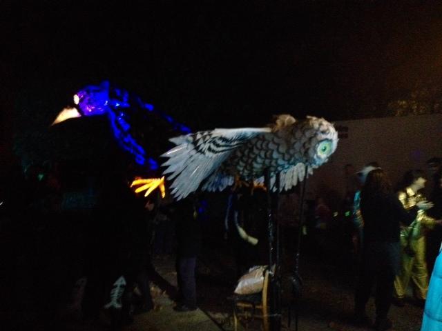 Huge lanterns carried on the performers' shoulders