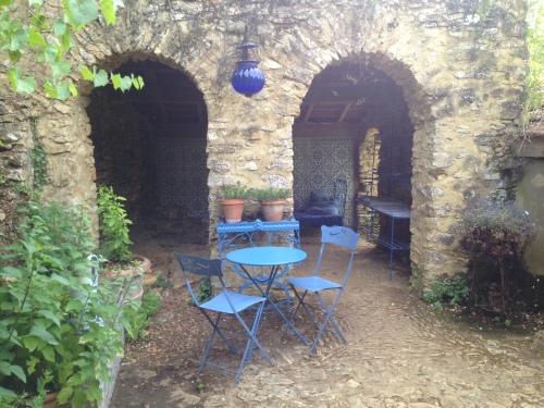 ...hideaway patios